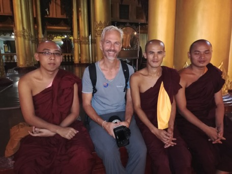 also for the monks wer are a welcoming foto-sujet
