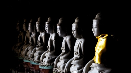 ... with countless Buddhas